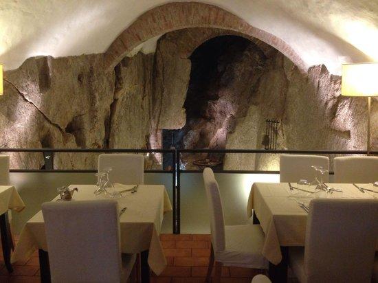 Ristorante La Grotta: downstairs...