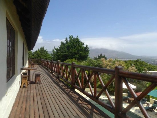 Wild Rose Country Lodge : large viewing deck
