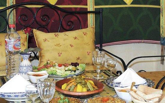 Riad Fes Baraka : Salle à manger