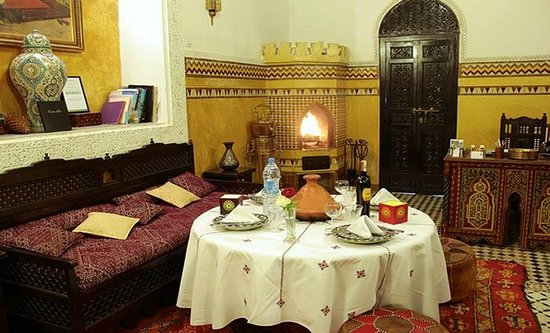 Riad Fes Baraka : salon à manger