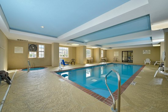 Comfort Inn & Suites North Little Rock: Swimming Pool