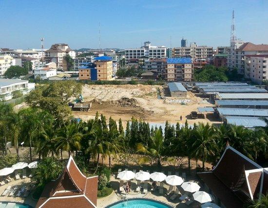 Mercure Pattaya Hotel : Вид из номера.