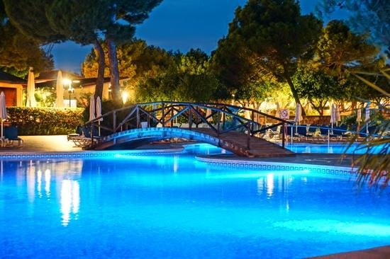 Zafiro Mallorca: Abendstimmung am Pool