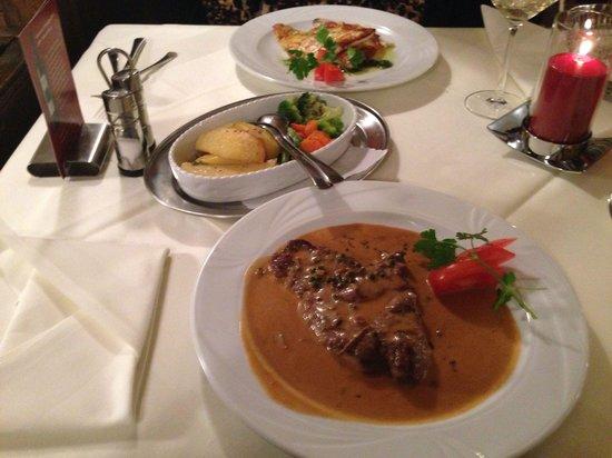 Zucchero: Gemütliches Abendessen: Doraden Filet und Entrecòte mit Pfeffersoße, lecker!!!