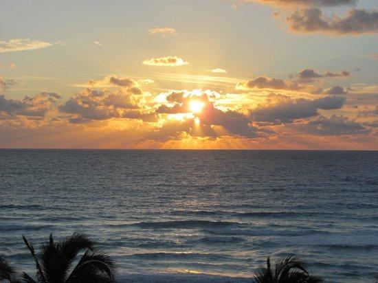 Hyatt Zilara Cancun: Morning sunrise