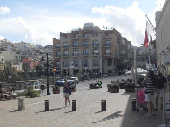 Maritim Antonine Hotel & Spa: VIEW OF HOTEL