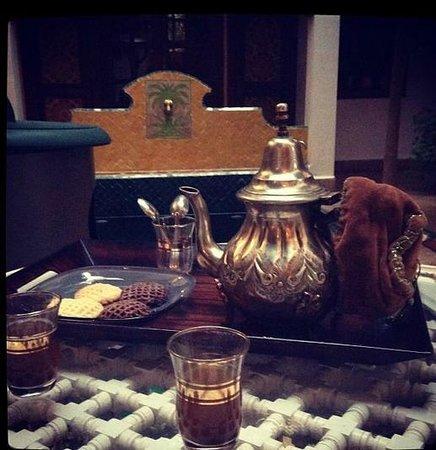 Riad Sadaka : Mynt Tea, Welcome