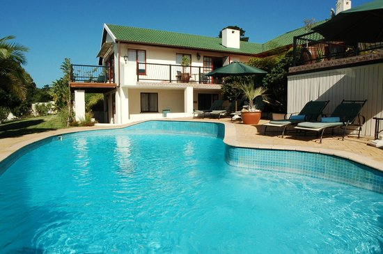 Knysna Country House: Pool area