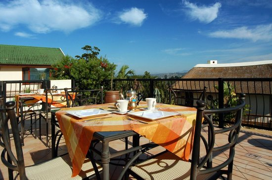 Knysna Country House: Breakfast deck
