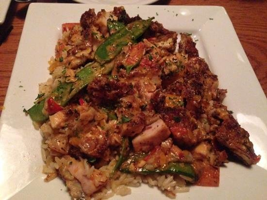 Millhouse Steakhouse Brunswick: Honey Almond Chicken
