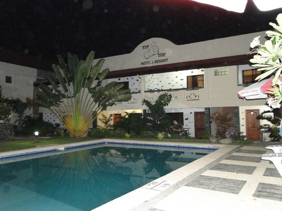 TipTop Hotel & Resort: Pool and area
