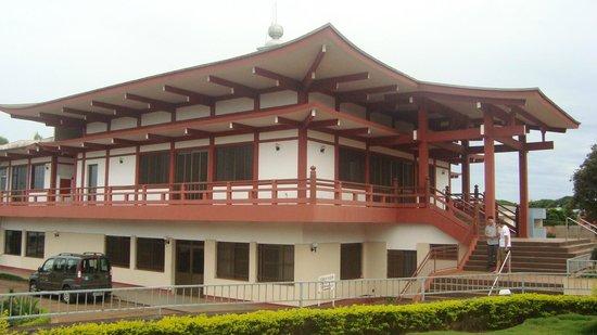Templo Budista Jodoshu Nippakuji de Maringa