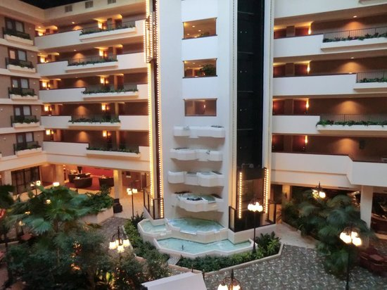 Radisson Quad City Plaza Hotel Atrium