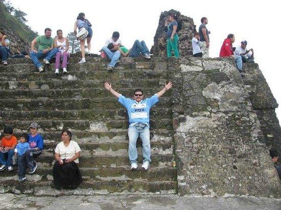 Pyramids of Tepoztlan: Si, llegamos al tepozteco