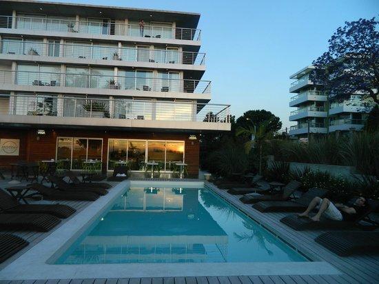 Costa Colonia Riverside Boutique Hotel: Piscina