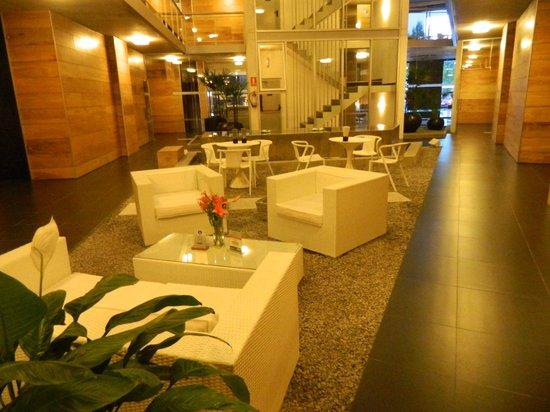Costa Colonia Riverside Boutique Hotel: Interiores del hotel