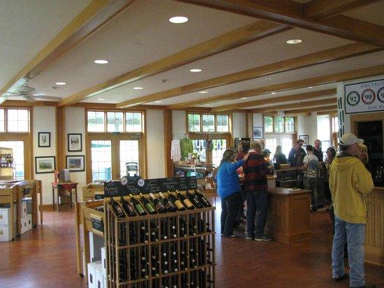 Fox Run Vineyards : sala de degustação e loja