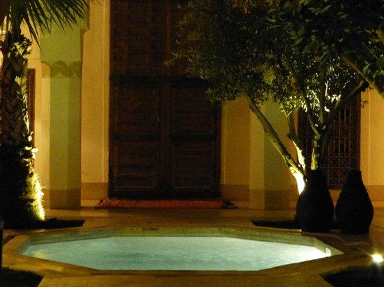 Riad Matham: piscina