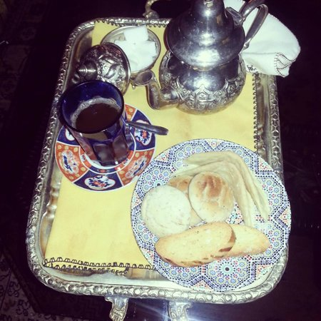 Riad Kniza: delicious mint tea