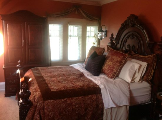 Creighton Manor Inn Bed and Breakfast: Ogden suite