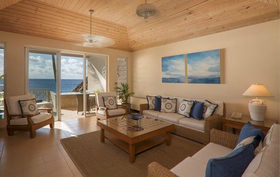 Curtain Bluff Resort: Cliff Suite Lounge