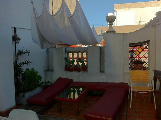 ChillHouse: Rooftop patio