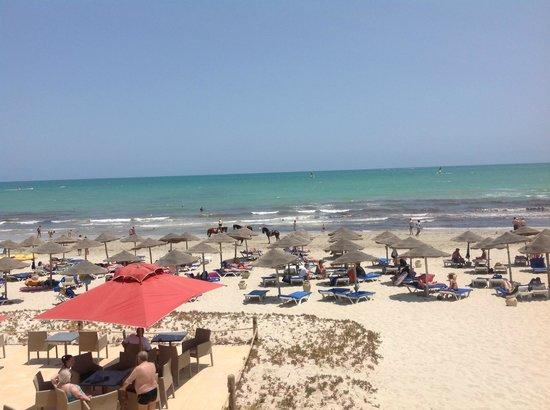 SENTIDO Djerba Beach: Vue sur la plage depuis le solarium
