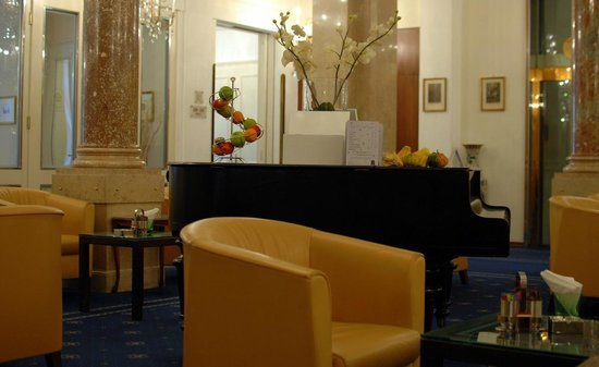 Hotel Ambassador : bar
