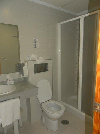 Hotel Montemar: ванна