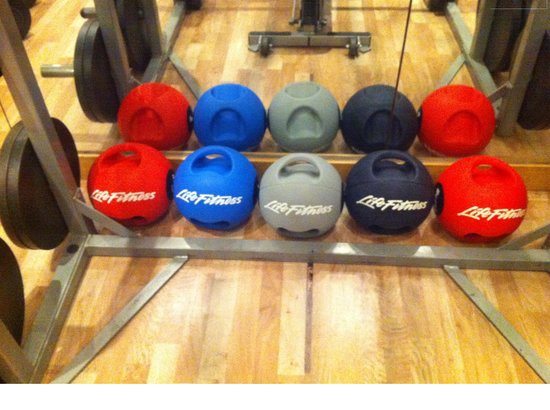 Hyatt Regency Delhi: nice workout balls