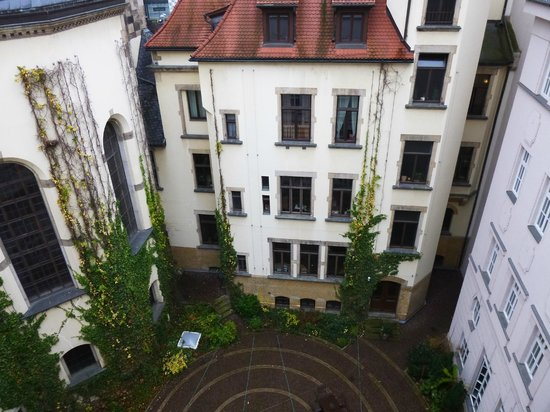 Hotel Fürstenhof, a Luxury Collection Hotel, Leipzig: Blick in den Innenhof