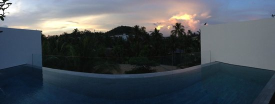 Twinpalms Phuket: rooftop private pool