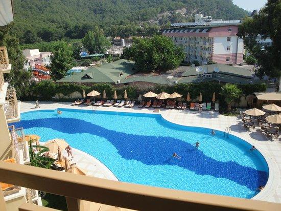 Akka Claros Hotel : Вид из номера на бассейн