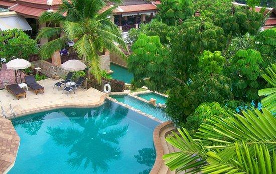 Andaman Cannacia Resort : вид из номера