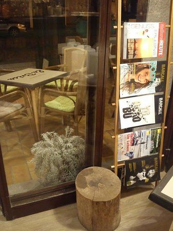 Brisas del Mar: Something to read while the guys watch football?