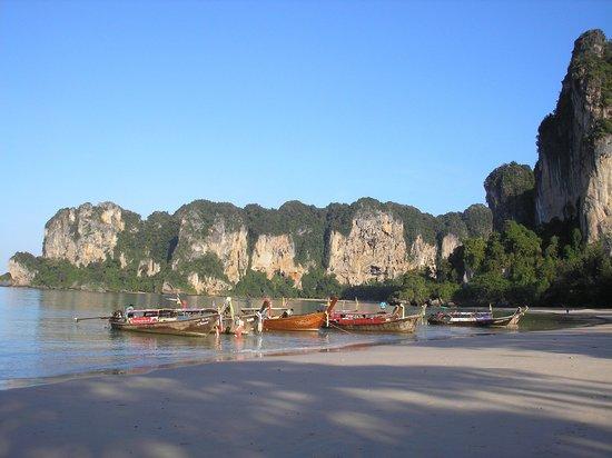 Sand Sea Resort: Morgens früh am Railay West Beach