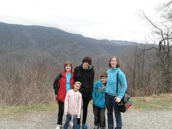 Newfound Gap Road: mountain family
