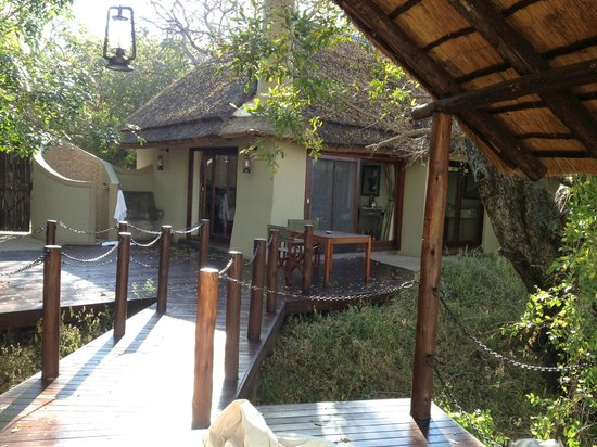 Jock Safari Lodge: A great suite with an outdoor shower