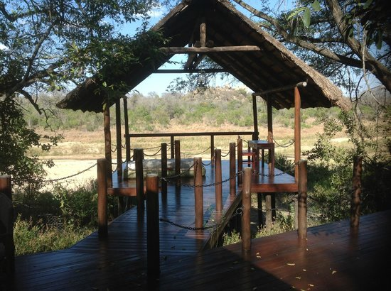 Jock Safari Lodge: Great area to relax and enjoy the scenery