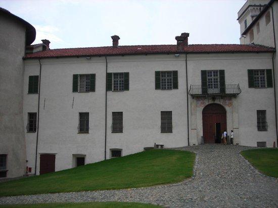 Castello e Parco di Masino : castello di masino
