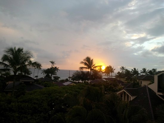 Poipu Kai Resort - Suite Paradise: Sunset from  Manualoha 305