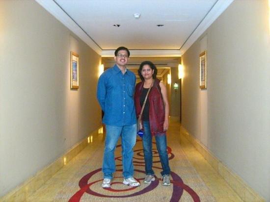Jood Palace Hotel Dubai: hotel lobby