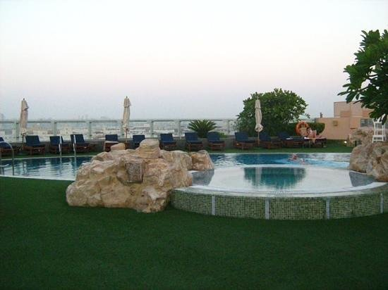 Rooftop swimming pool picture of jood palace hotel dubai for Rooftop swimming pool