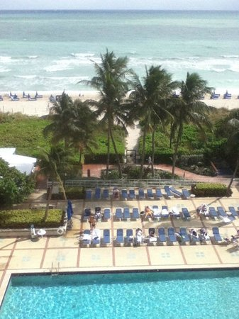 Miami Beach Resort and Spa: View from my room on the 7th floor
