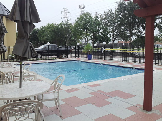 BEST WESTERN Webster Hotel, NASA : Pool long view