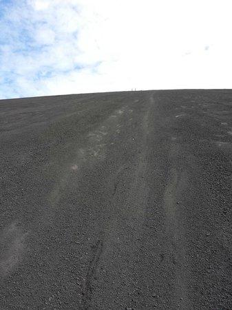 Cerro Negro Volcano: The descent