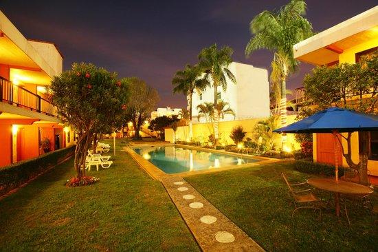 Foto de hotel puerta del sol guadalajara junior for Resort puertas del sol precios
