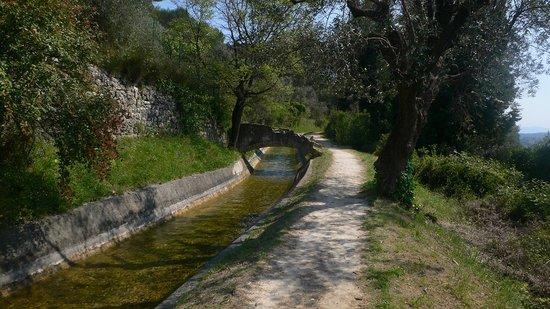 Domaine San Marco : Promenade lelong du canal