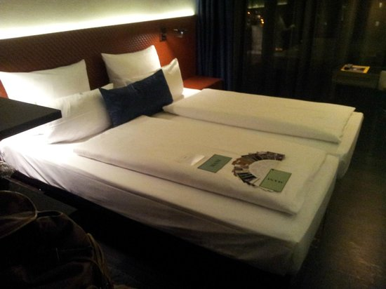 Hotel MANI: Nice comfortable bed