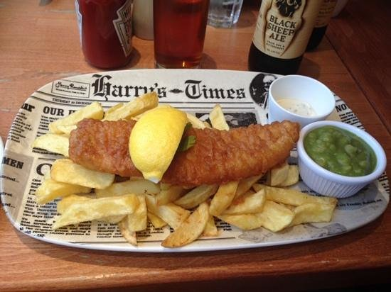 Harry Ramsden Brighton: This was my Haddock, chips and mushy peas, in the revamped Harry Ramsdens. still a Great Meal. S